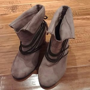 Hot Kiss Boots Size 10